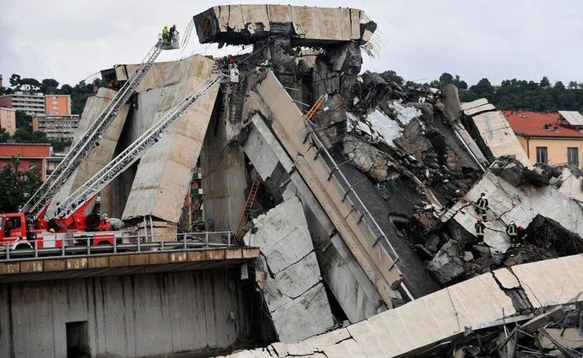 El portero italiano Davide Capello quedó enterrado bajo lo escombros del puente que se derrumbó en Génova, Italia, este martes. (ANSA)