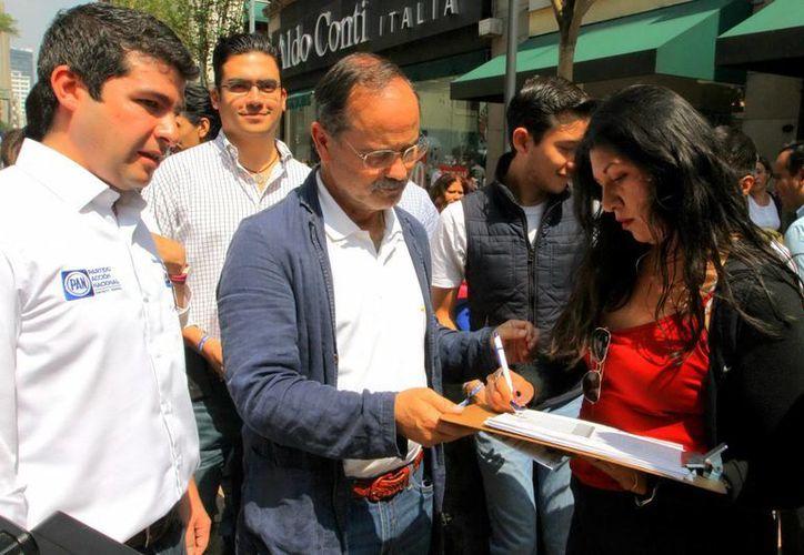 Madero: se seguirán recibiendo firmas a favor de consulta popular hasta el domingo, a fin de superar la meta impuesta como requisito por la Cámara de Diputados. (Notimex/Foto de archivo)