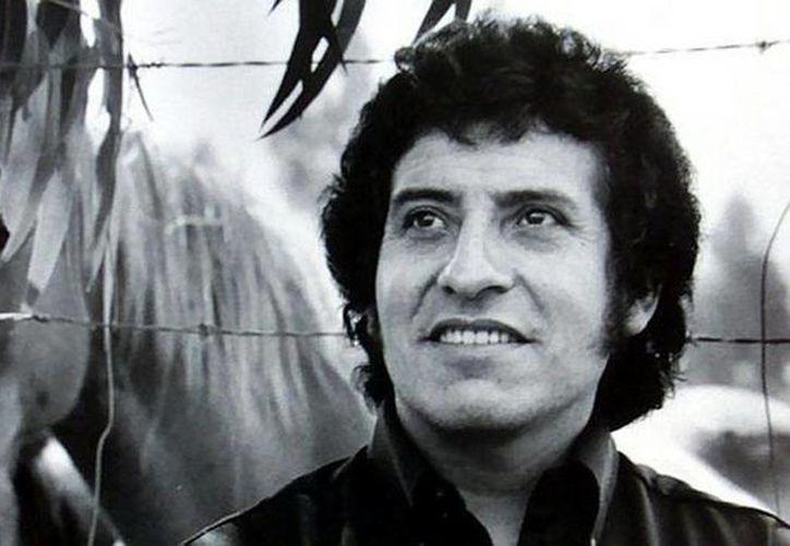 Las canciones de Jara fueron, aparentemente, tan amenazadoras para los líderes militares que protagonizaron el golpe de 1973 en Chile, que tuvieron que matarlo, según publica Rolling Stones. (Agencias)