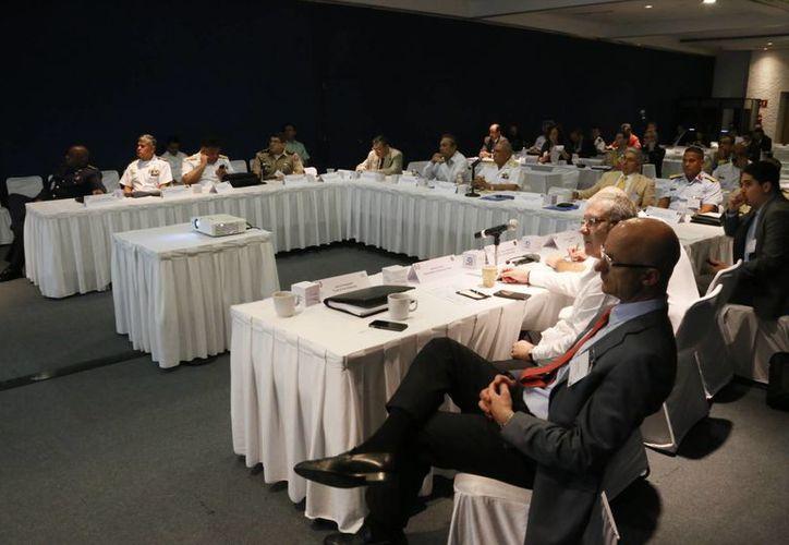 Celebran la Cumbre de Seguridad Mexicana en Cancún. (Israel leal/SIPSE)