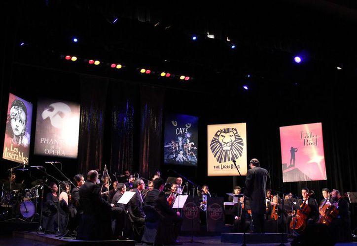 Con la nueva figura de Orquesta Sinfónica, este 2018 pretenden ofrecer lo mejor y más reconocido de la música clásica. (Faride Cetina/ SIPSE)