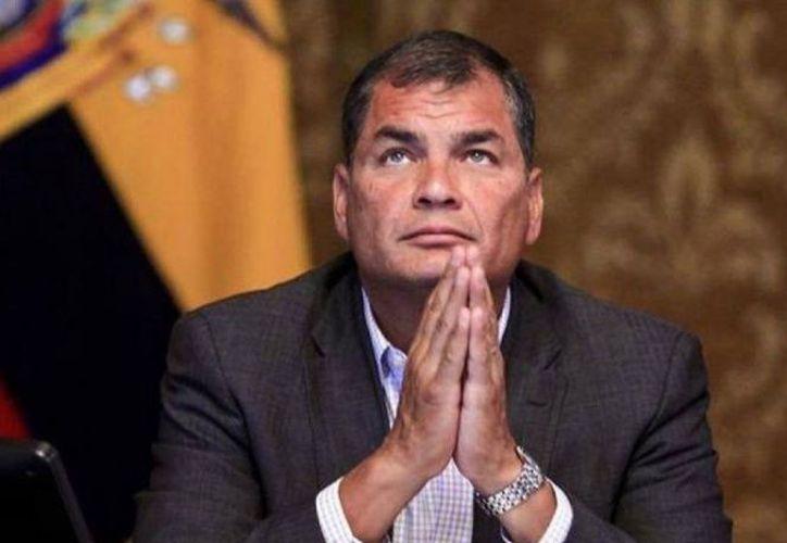 La fiscalía de Ecuador aprobó una propuesta que pide sea investigado el ex presidente Rafael Correa. (excelsior.com)