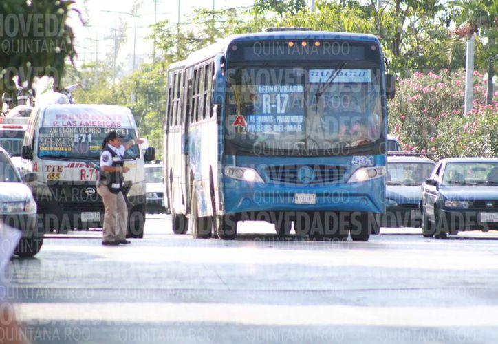 Las autoridades municipales regularán el transporte urbano de la ciudad. (Sergio Orozco/SIPSE)