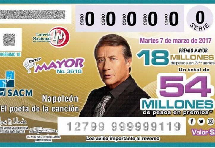 La Lotería Nacional reconoce los más de 40 años de trayectoria musical del famoso cantante José María Napoleón.(Twitter/Lotenal)