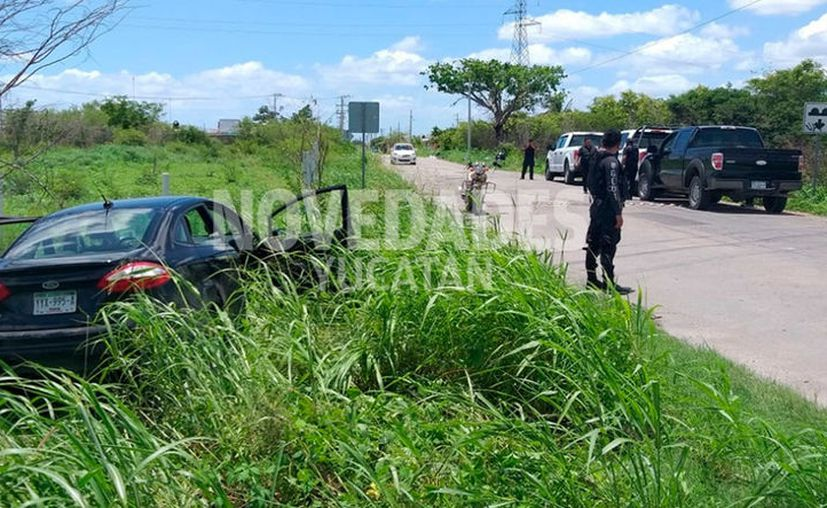 El vehículo se salió del camino. (Novedades Yucatán)