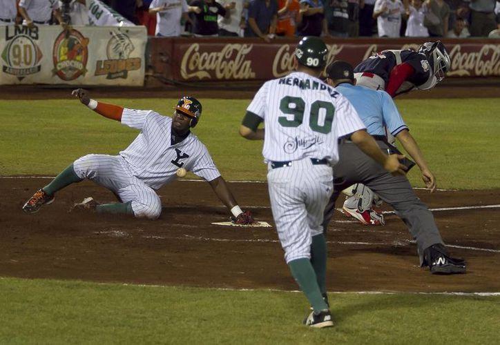 Leones de Yucatán enfrentan desde este sábado a Tigres de Quintana Roo en la final de la Zona Sur de la Liga Mexicana de Beisbol. (Notimex)