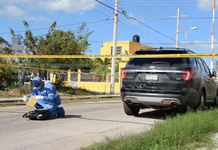 Peritos de la Fiscalía investigaron en la zona sobre posibles huellas de algún delito, lo que ha sido descartado. (Milenio Novedades)