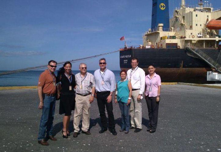 El recorrido incluyó actividades en la Administración Portuaria Integral (API) de Progreso. (Cortesía)