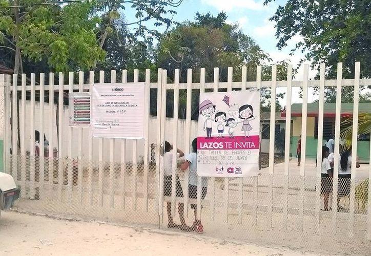 """Los padres de familia temen por la integridad física de sus hijos en la primaria """"Laguna de Bacalar"""". (Pedro Olive/SIPSE)"""