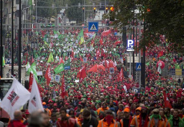 Vista de una marcha de protesta de los sindicatos belgas en Bruselas. (Agencias)