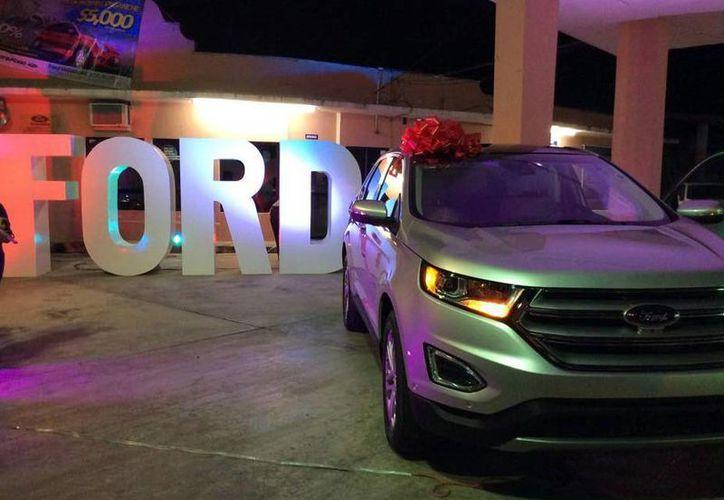 Las agencias Ford generan gran cantidad de empleos. (Luis Soto/SIPSE)