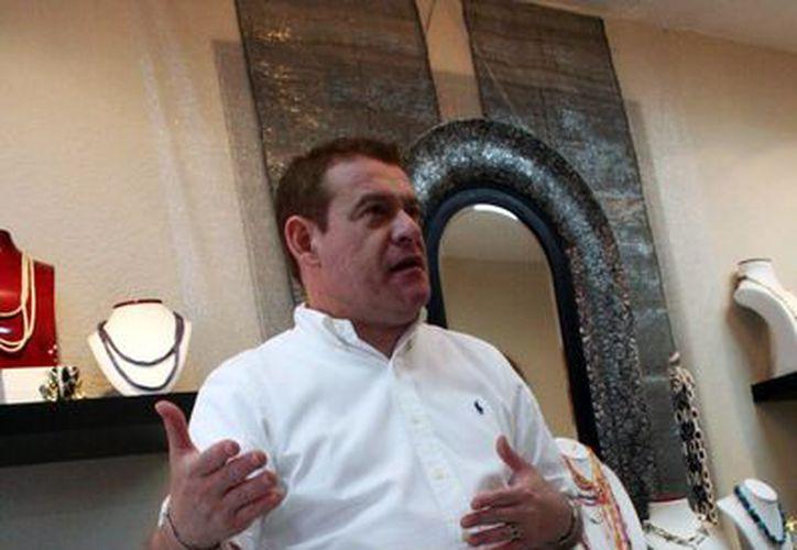 El empresario yucateco Víctor Sabido Basteris busca posicionar a Mérida como un referente del diseño de joyas exclusivas. (Milenio Novedades)