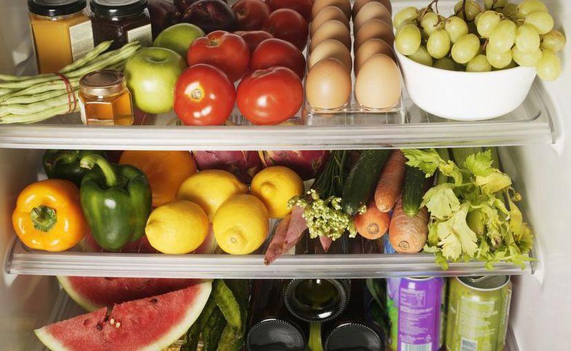 Te presentamos cuatro de las frutas y verduras que debes evitar guardar en tu nevera. (Contexto/Internet).