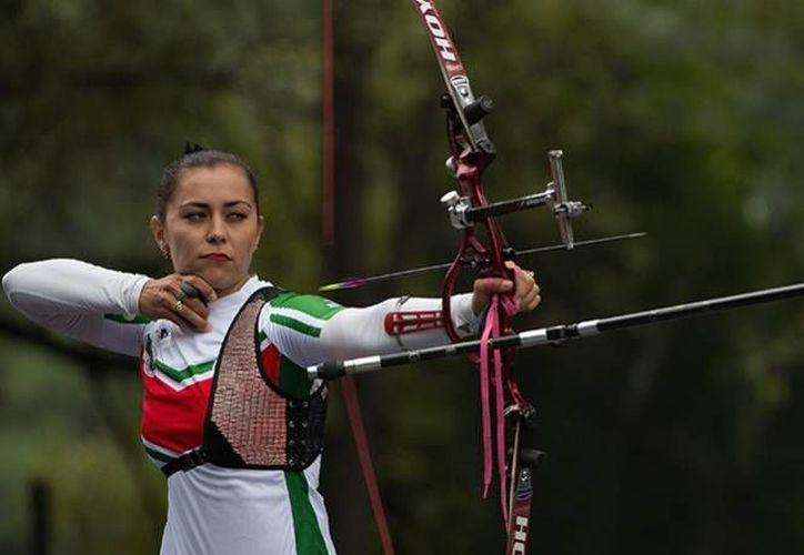 La arquera mexicana Aida Roman (foto) logró este lunes, junto a Alejandra Valencia y Karla Hinojosa, un nuevo boleto para los Juegos Olímpicos de Río 2016. Esto durante la Copa del Mundo de la disciplina realizada en Dinamarca. (Archivo Mexsport)