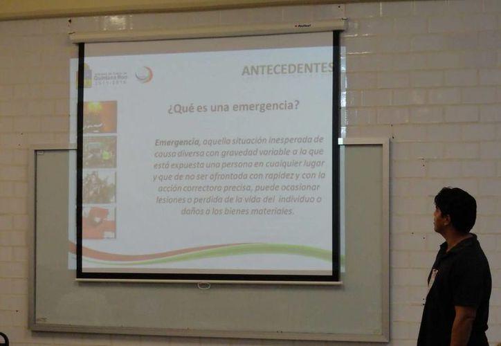 Explicaron que el número de Emergencias 066 es un número gratuito para la población y que funciona desde cualquier tipo de teléfono móvil, las 24 horas del día. (Redacción/SIPSE)