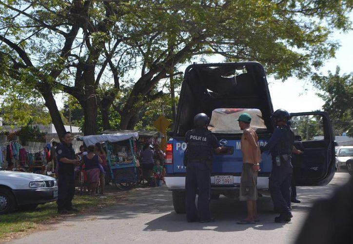 Carlos Julián N de 30 años de edad fue detenido por la Policía Municipal. (Redacción/SIPSE)