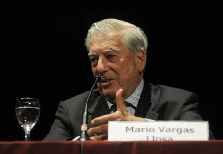 El escritor presentó su libro, El héroe discreto, en la  Feria Internacional del Libro de Guadalajara. (Archivo/EFE)