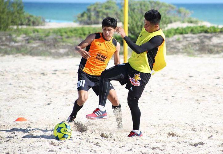 El club de futbol Venados FC Yucatán intensifica sus entrenamientos con miras al próximo torneo; pero antes, se enfrentará a Pumas de la UNAM, en duelo amistoso. (Facebook)