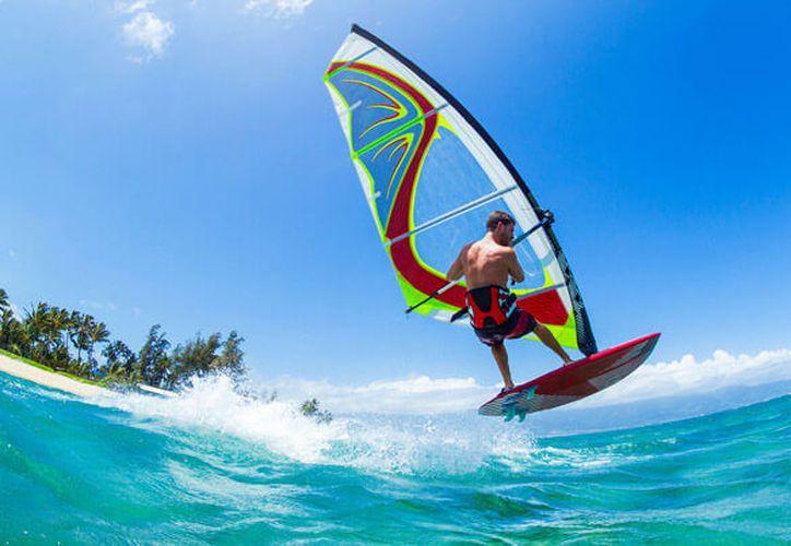 El agua, no sólo es imprescindible para dar vida, también lo es para la práctica de diversos deportes. (Bel Air Collection)