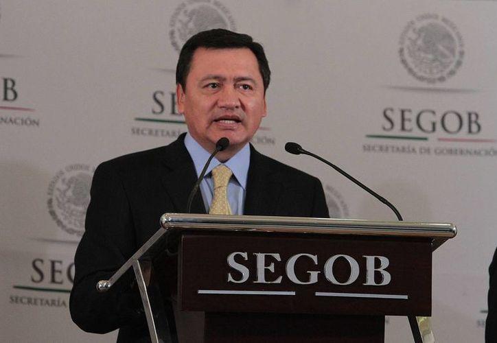 El secretario de Gobernación (foto) dijo que el presidente concedió el perdón luego de realizar un profundo análisis jurídico del caso. (Notimex)