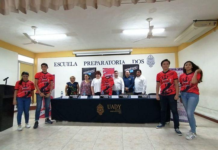 La Escuela Preparatoria Dos de la Uady presentó su carrera atlética de cinco kilómetros. (Novedades Yucatán)