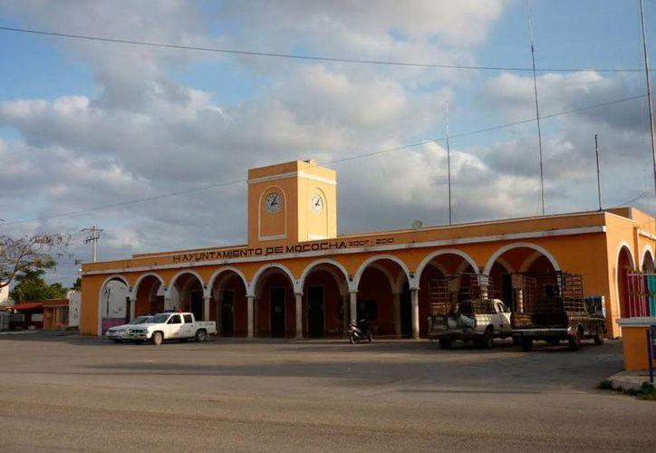 Imagen del palacio municipal de Mocochá, Ayuntamiento que rendirá un homenaje al promotor cultural, escritor e investigador Luis Pérez Sabido. (Milenio Novedades)