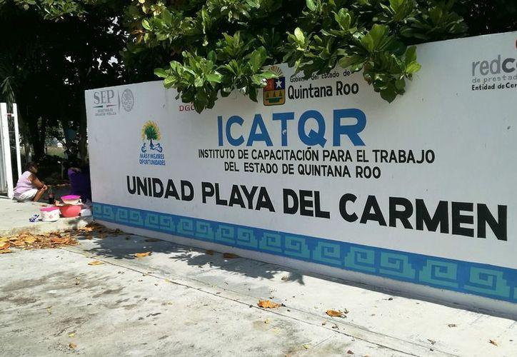 El director del instituto aseguró que la estafa se produjo fuera de las instalaciones. (Octavio Martínez/SIPSE)