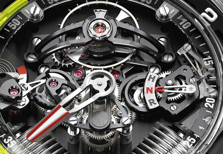 En los modelos Hydro Mechanical Horologists de la firma HYT, la arquitectura del movimiento híbrido se ha rediseñado al combinar titanio con agua. (Imagen de: www.timeandwatches.com)