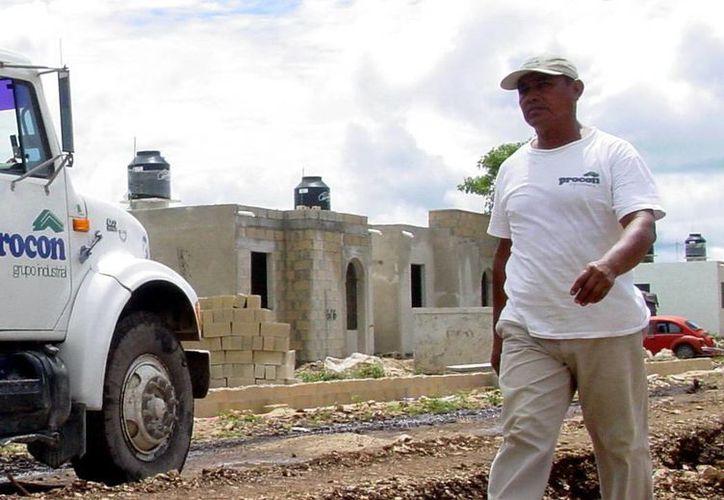 El IVEY buscará construir viviendas para personas que no pueden acceder a créditos inmobiliarios. (SIPSE)