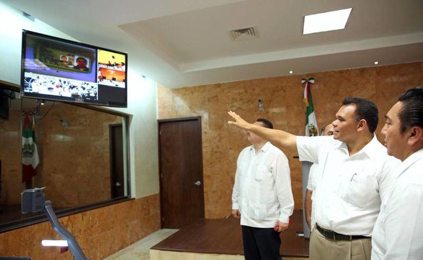 El Gobernador puso en operación las salas de testigos, juzgados, área de bomberos, oficinas de atención a víctimas y del MP. (Cortesía)