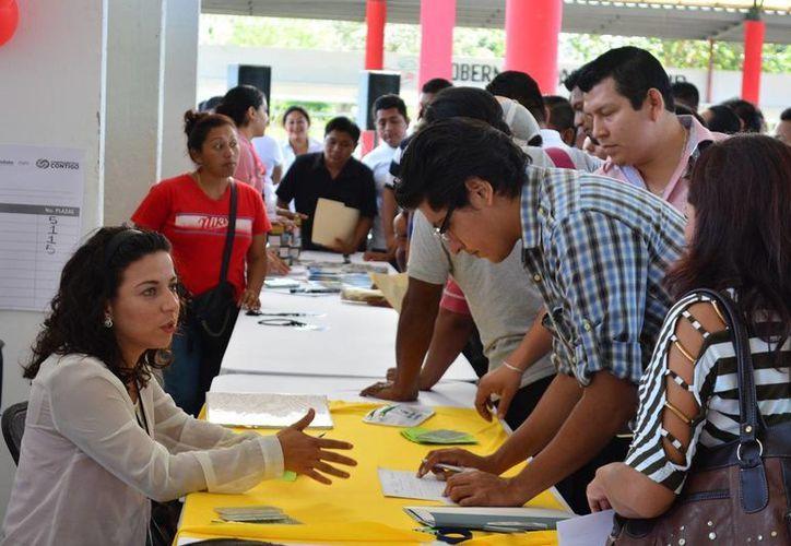 Se ofertó un total de 538 vacantes dentro de la Octava Jornada Estatal de Empleo en Carrillo Puerto. (Manuel Salazar/SIPSE)