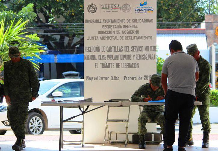 El año pasado se entregó Cartilla del Servicio Militar a más de 560 jóvenes. (Foto: Daniel Pacheco/SIPSE).