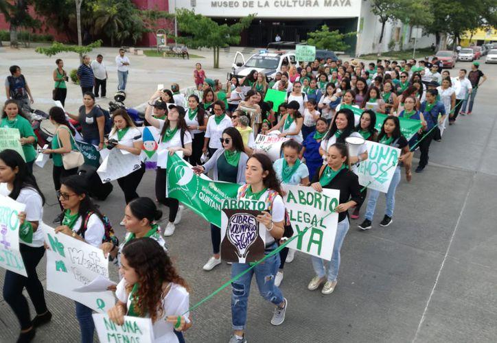 La manifestación aboga por los derechos reproductivos de la mujer. (Tejeda/SIPSE)
