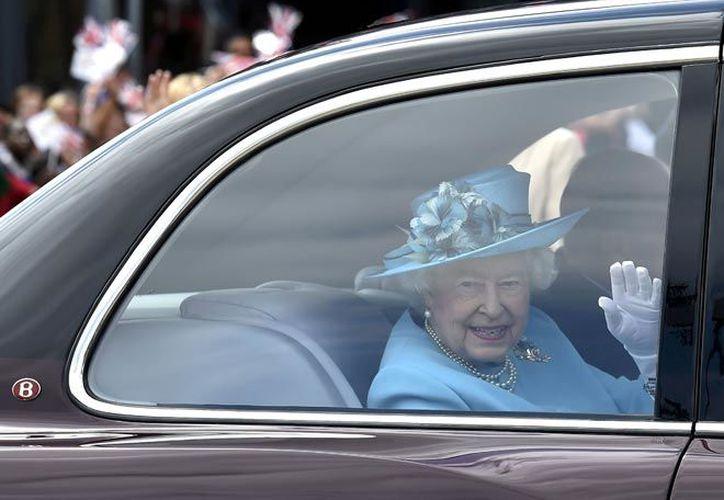 """La soberana, de 90 años, enseguida se mostró """"entusiasmada"""" por esta ayuda. (Internet)"""