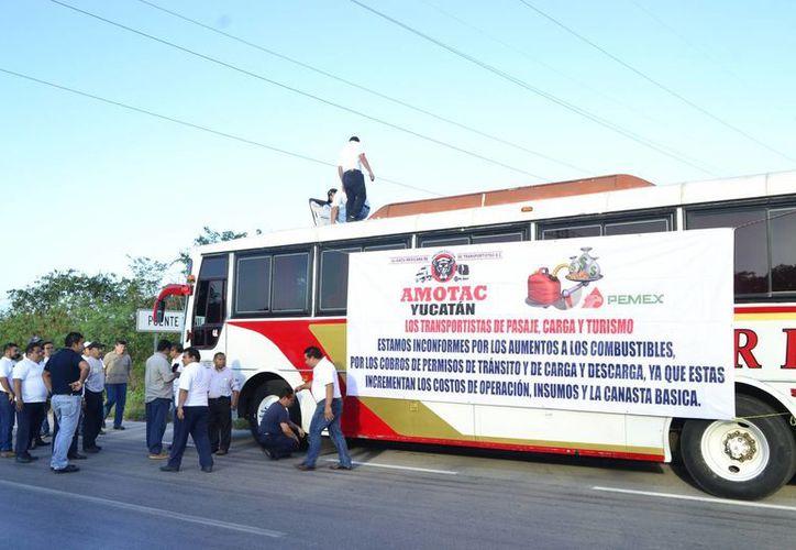 Diversas manifestaciones pacíficas se han realizado en la ciudad, como la de los transportistas. (Daniel Sandoval/ Milenio Novedades)
