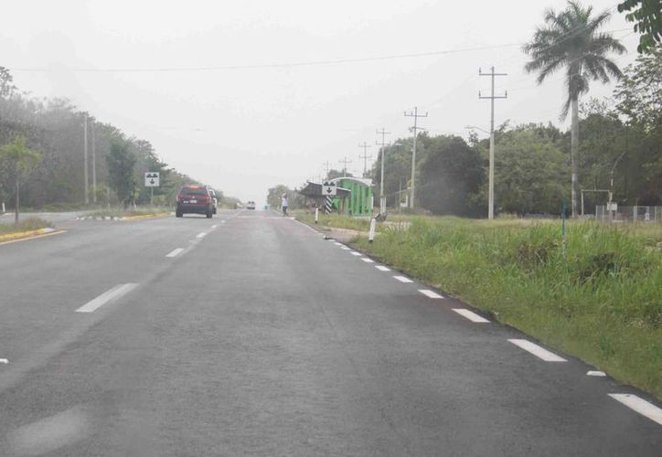 Aún no se indemniza el suelo que se ocupó para la construcción de la carretera federal 307. (Jesús Caamal/SIPSE)
