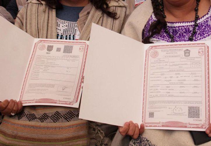 Una organización civil estima que hay unos 200 mil mexicanos radicando en la Unión Americana que no cuentan con documentos mexicanos o estadounidenses que avalen su identidad y procedencia. (Archivo/Notimex)