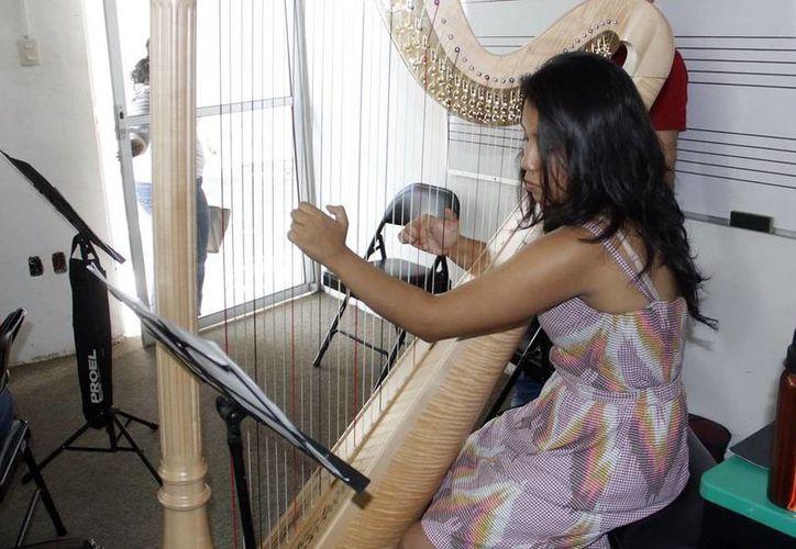 Los talleres artísticos están dirigidos al público en general. (SIPSE)