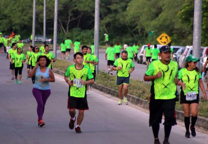 Este domingo, se corrieron tres carreras en Yucatán, entre las que estaba de la la fundación de la Uady (foto). (Milenio Novedades)