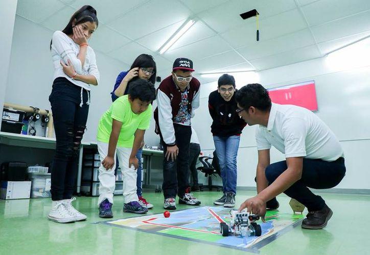El curso es dirigido a niños, jóvenes y adultos. (Facebook: Punto México Conectado)