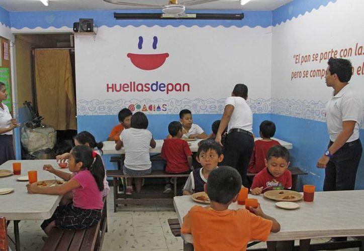 Actualmente, el comedor de la asociación civil ofrece ayuda alimentaria a 60 personas en la Región 96.(Jesús Tijerina/SIPSE)