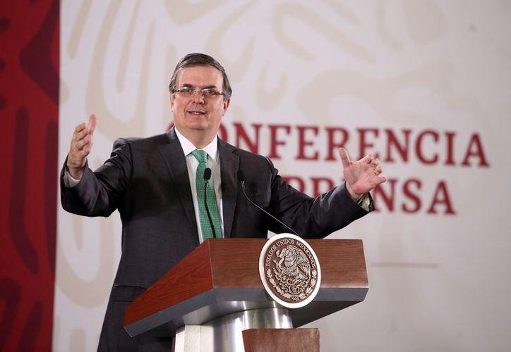 """""""Desconocemos aún si hay connacionales afectados"""", dijo el canciller. (Foto: Reforma)"""