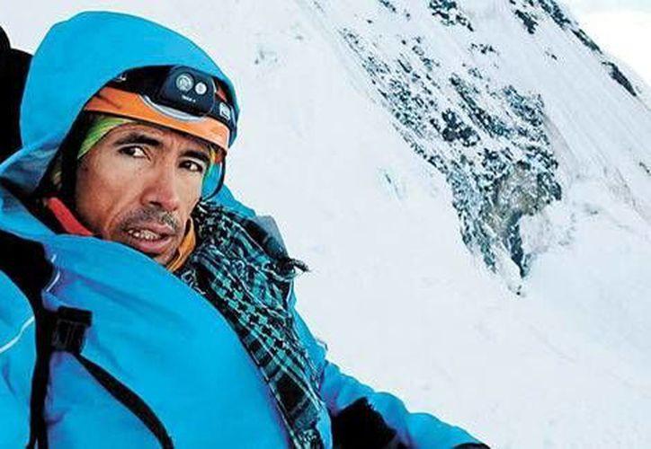 La Secretaría de Relaciones Exteriores todavía no confirma la muerte del alpinista mexicano José Miguel Mendoza Paulín. (Milenio)
