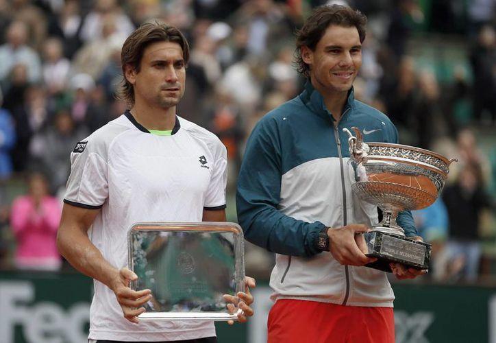Ferrer (i) es hoy cuarto sitio en el ranking mundial y Nadal (d) es quinto, pero Djokovic sigue en el primer escalón. (EFE)