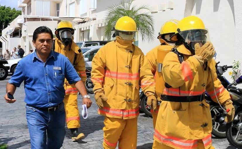 El simulacro de incendio, que se llevó a cabo en un centro de hospedaje, obtuvo buenos resultados. (Cortesía)