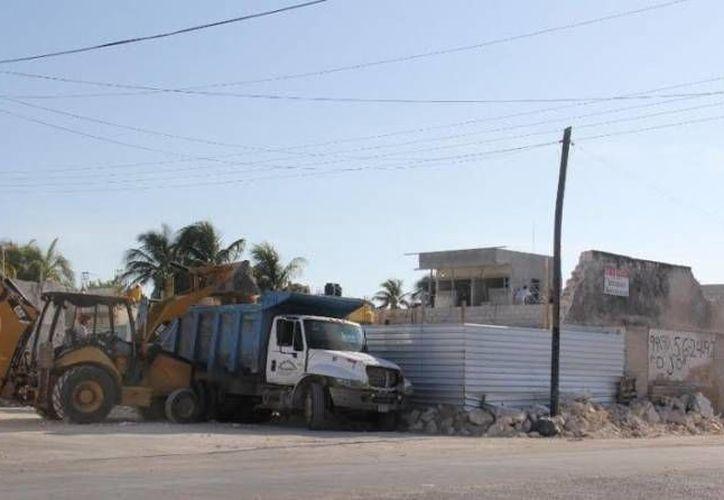 La Cámara Mexicana de la Industria de la Construcción dijo que ha pasado por circunstancias difíciles en lo que va del año debido a la crisis económica que atraviesa el país. Esto aunado a la alza de precios de entre 20 y 30 por ciento en insumos como el cemento, acero, aluminio y la maquinaria. (Archivo SIPSE)