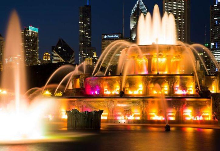 Una fuente como la de Buckingham, en Chicago, Estados Unidos, sería sensacional en la Plaza Grande. Lo que sea pero que le de vida a dicho sitio, corazón del Centro Histórico de Mérida. (cmbelped.com)