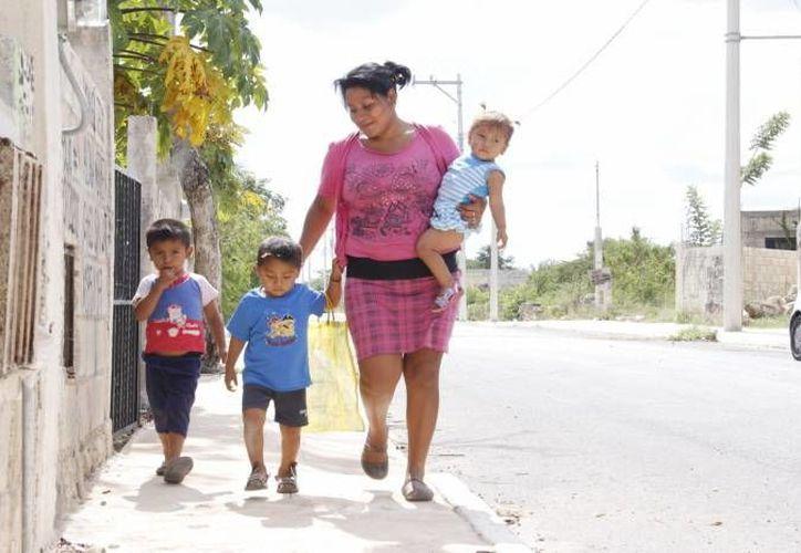 El programa Seguro de Vida para Jefas de Familia ofrece apoyo a las madres de 12 a 68 años de edad. (Milenio Novedades)