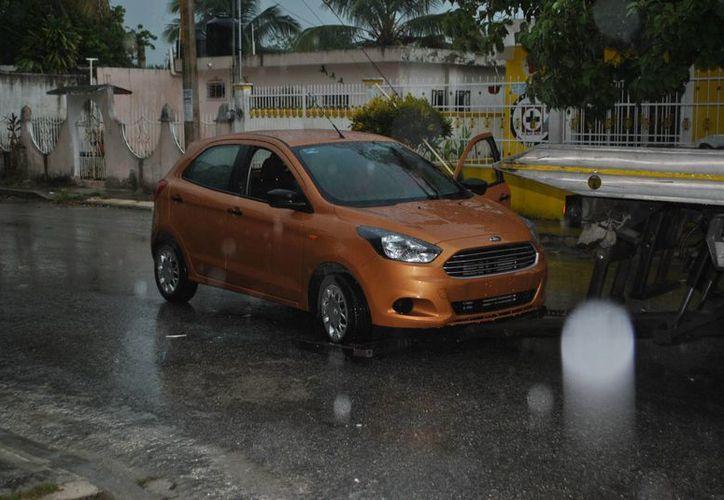 Una mujer fue secuestrada cuando viajaba en su vehículo, a la altura de la avenida Leona Vicario de Cancún. (Redacción/SIPSE)