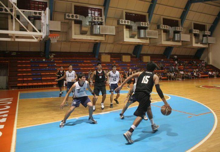 Con la participación de todos los municipios, alistan torneo de baloncesto. (Tomás Álvarez/SIPSE)